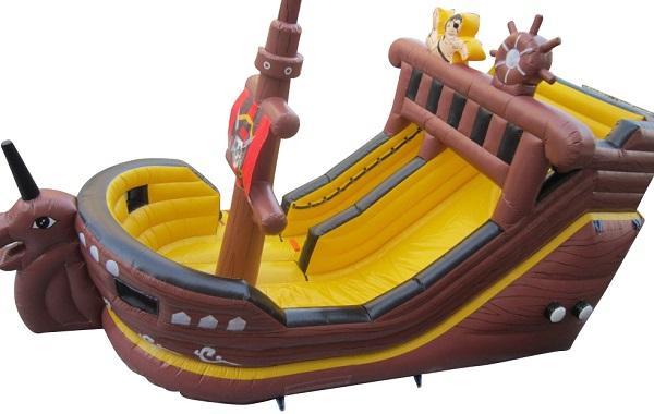 Piratenschiff  8x4x5 m