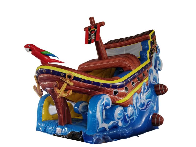 Piratenschiff mit Papagei 7x4x5,9 m